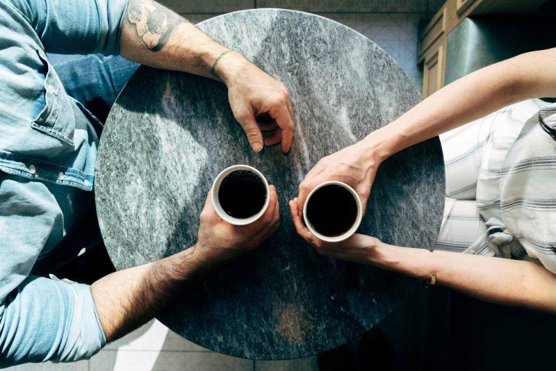 Hacer nuevos acuerdos puede ayudarte a hacer renacer tu relacion